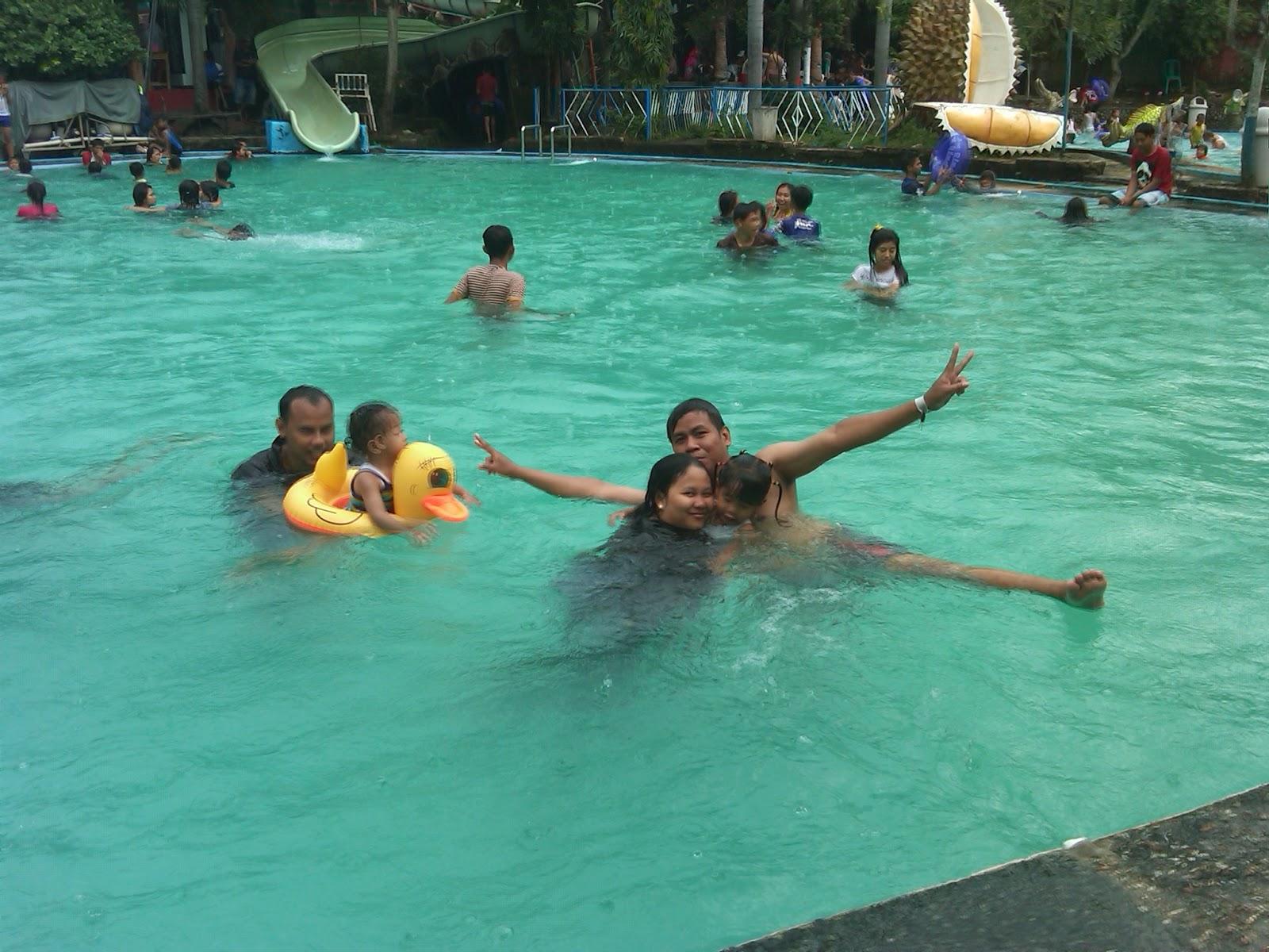 contoh ukuran kolam renang minimalis water boom