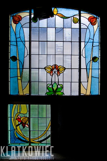 Sopot: niebieski secesyjny witraż