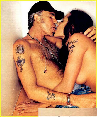 Angelina-Jolie-Kiss
