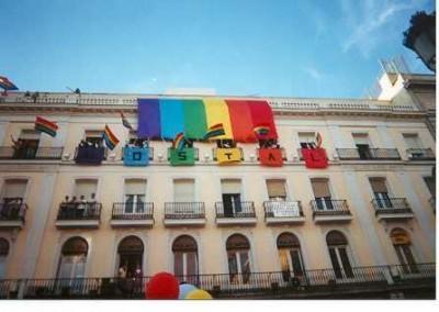 Marcha orgullo mexico gays construyen una comunidad for Centro comercial la puerta del sol
