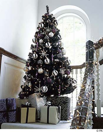 Do You Want A Chic And Modern Way To Decorate This Holiday Season Use Black White Silver Create Unexpected Color Scheme