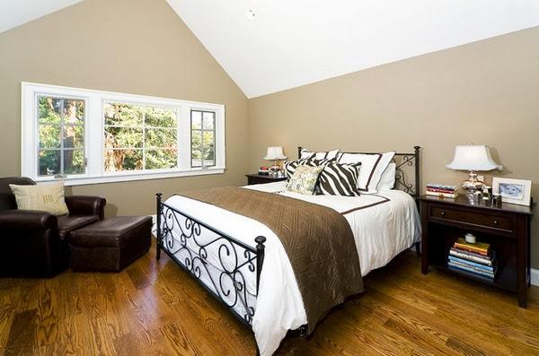 Chambre plafond en pente for Chambre avec plafond en pente
