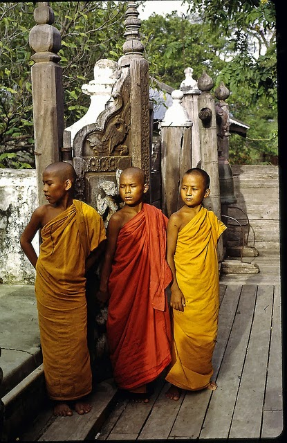 the life and ideologies of early buddhist monks or bhikkus 8 tripitaka by theravada buddhism tibetan buddhist monks and nuns go by this version and the arhats of the early buddhist sangha.