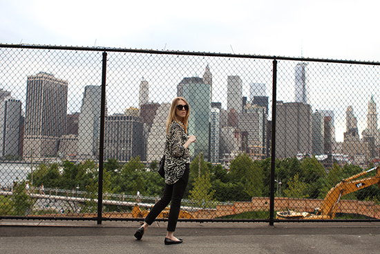 """A Walk Around Brooklyn Heights"" Post on ""The Wind of Inspiration"" Blog #outfit #look #style #fashion #personalstyle #fashionblog #fashionblogger (How to Wear an Animal Print Blouse / Animal Print Blouse with Skinny Pants / Things to Do in Brooklyn)"