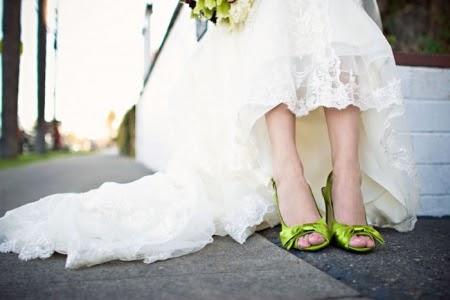 heart wedding dress green wedding shoes
