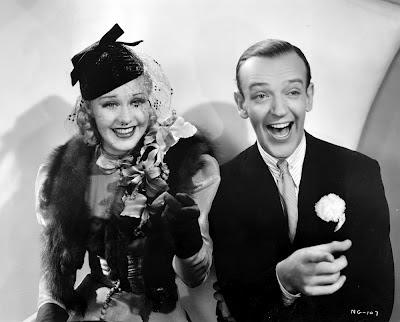 """Foto promocional de Fred Astaire y Ginger Rogers para la película """"En alas de la danza"""" (Swing Time, 1936)"""