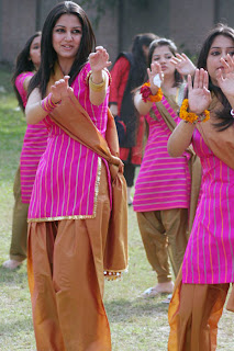 UNseen Pictures of Pakistani Girls in Shirt Salwar, Punjabi Suits
