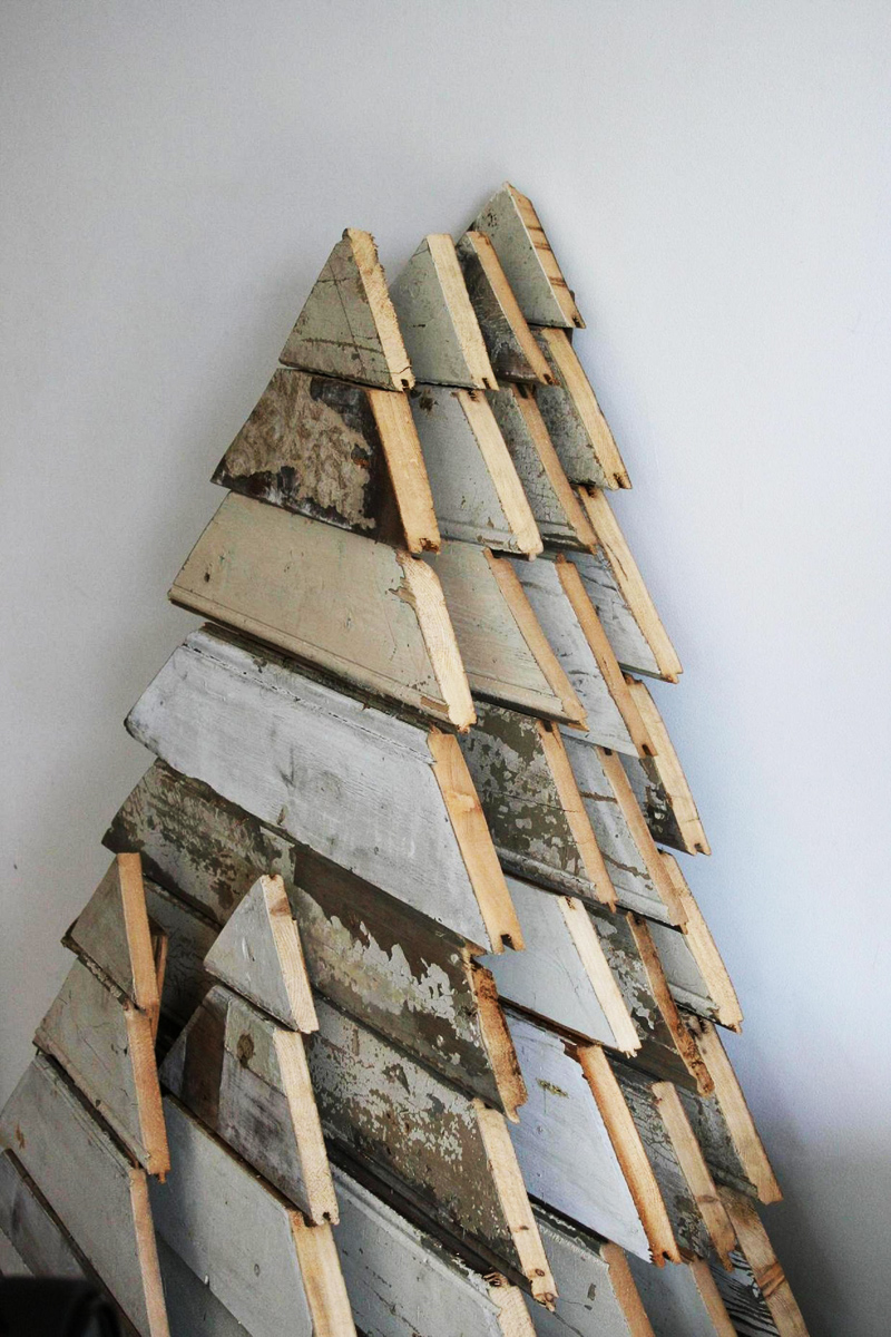 El mundo del reciclaje arboles de navidad hechos con pal s - Reciclaje de pales ...
