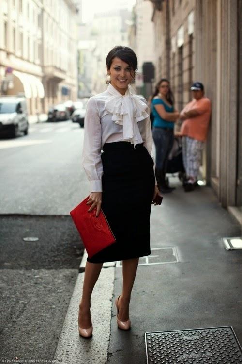 Белая рубашка и пышная юбка