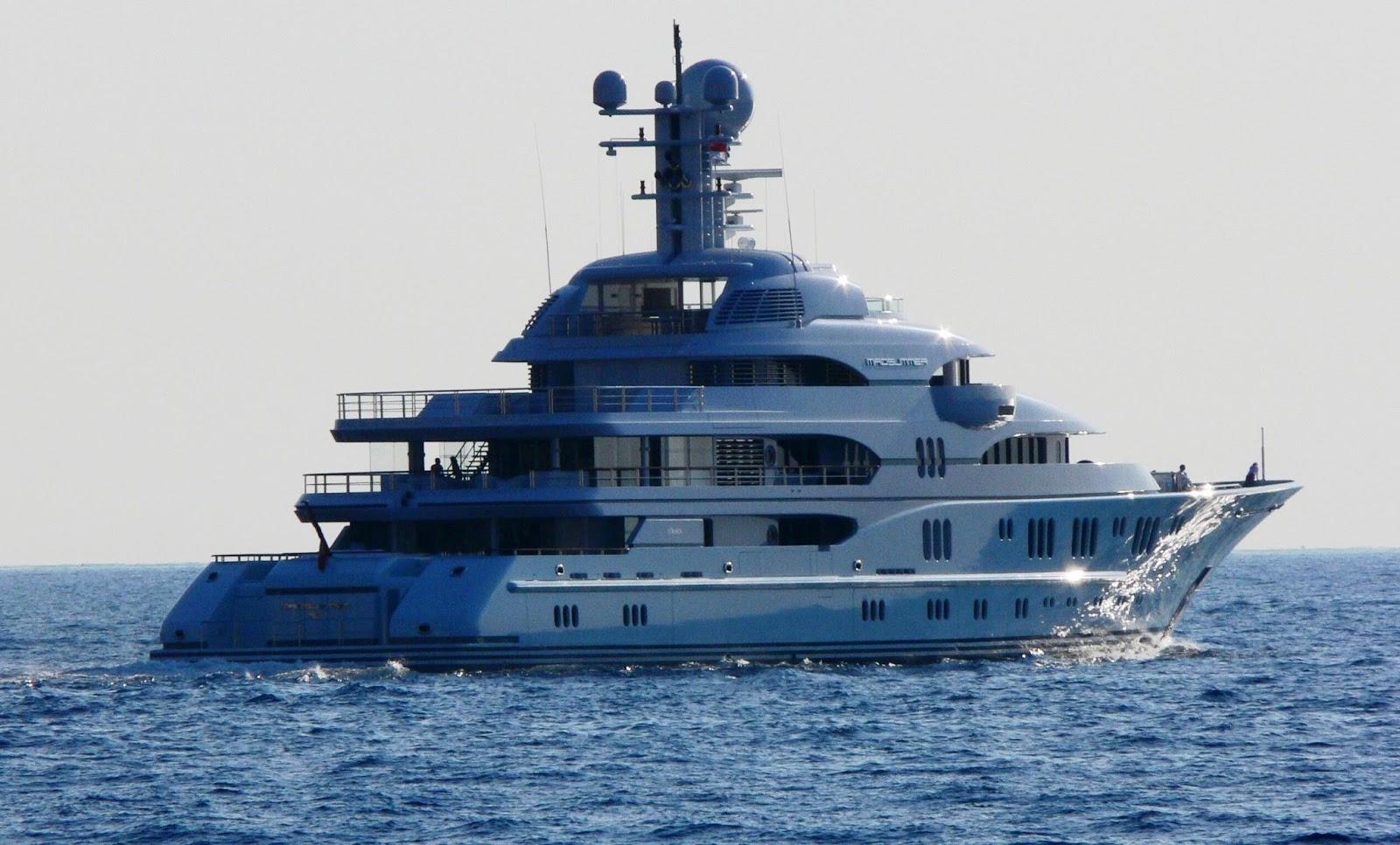 Superyacht TV Starboard