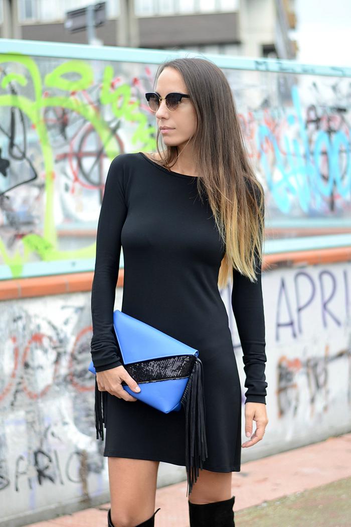 pochette blu elettrico nero