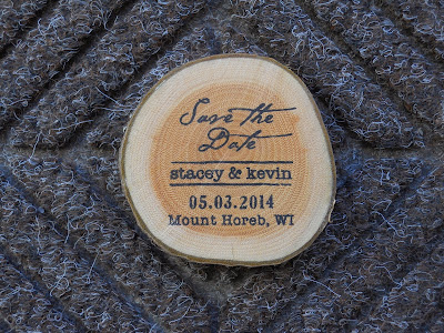 Wood slice magnet for save the dates