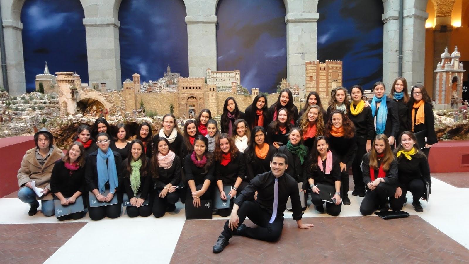 Dpto m sica y coro ies la serna actuaci n del coro en la for Sede de la presidencia de la comunidad de madrid