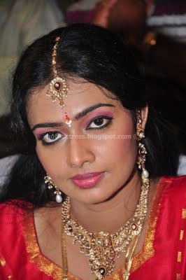 Divya vishwanath tamil actress latest photos