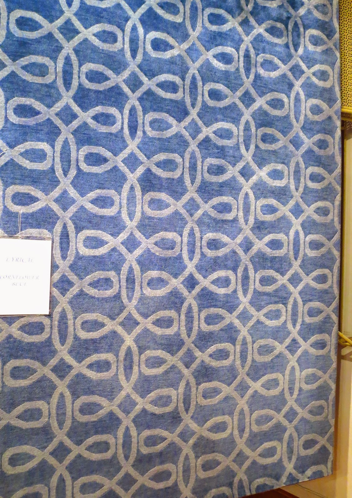 COCOCOZY Lyrical rug in cornflower blue