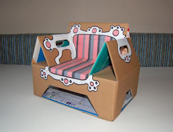 kidissimo comment fabriquer un tr ne de princesse avec un carton de couches pampers. Black Bedroom Furniture Sets. Home Design Ideas