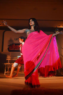 Priyanka Chopra Dances for Girl Power