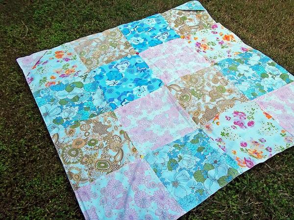 Kiwi at heart vintage sheet picnic blanket for Au maison picnic blanket