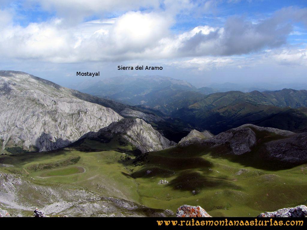 Ruta Tuiza Siegalavá: Vista de la Mostayal y la Sierra del Aramo desde el Siegalavá