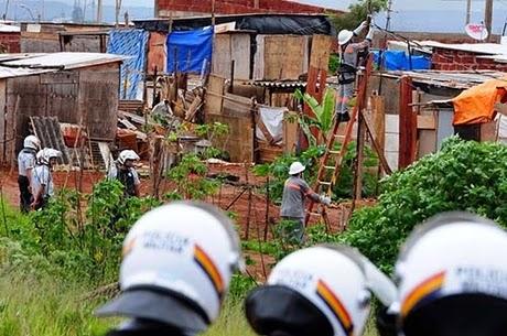 Em quatro meses, AGEFIS derruba cinco mil casas no Distrito Federal.