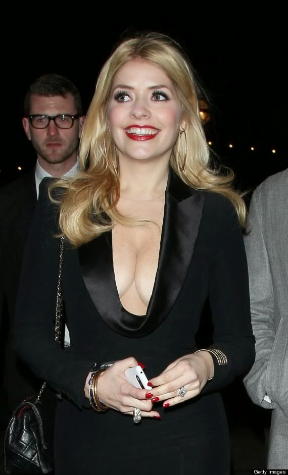 Holly Willoughby Photo 002