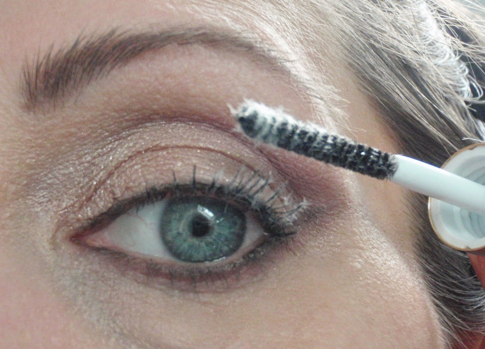 The Juicy Beauty Word: Too Faced Better Than False Lashes Extreme ...