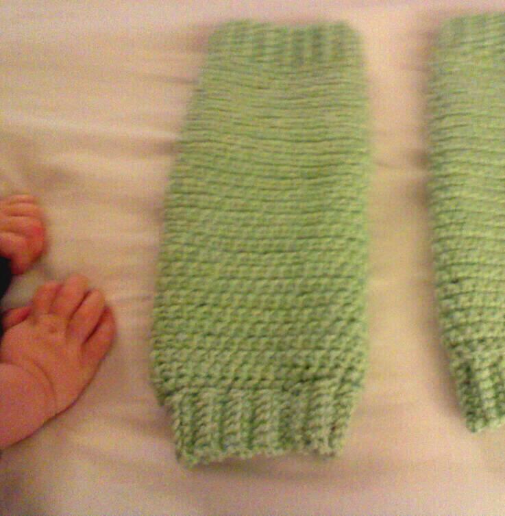 Free Crochet Pattern Leg Warmers Child : Earning-My-Cape: Crochet Leg Warmers (Child sized)
