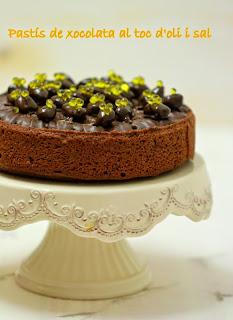 Pastís de xocolata al toc de sal i oli d'oliva. La Cuina de l'Eri