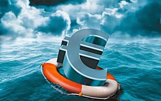 Υπερχρεωμένα: Άλλοι απαλλάσσονται από τα χρέη κι άλλοι τα πληρώνουν
