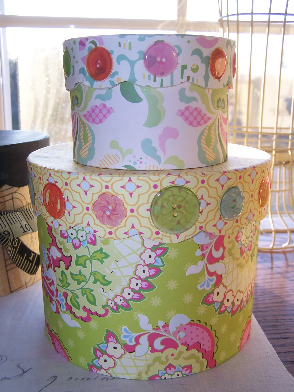 lilly pulitzer wrapping paper Wrapping paper inspired by lilly pulitzer, this is an original design by artist shann spishak can be used for crafting projects and beautiful gift wrapping.