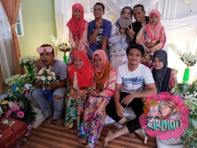 wedding, kahwin, sepupu, cousin, wedding cousin, tema peach, tema wedding, prop wedding, suasana wedding, pelamin, bunga telur,