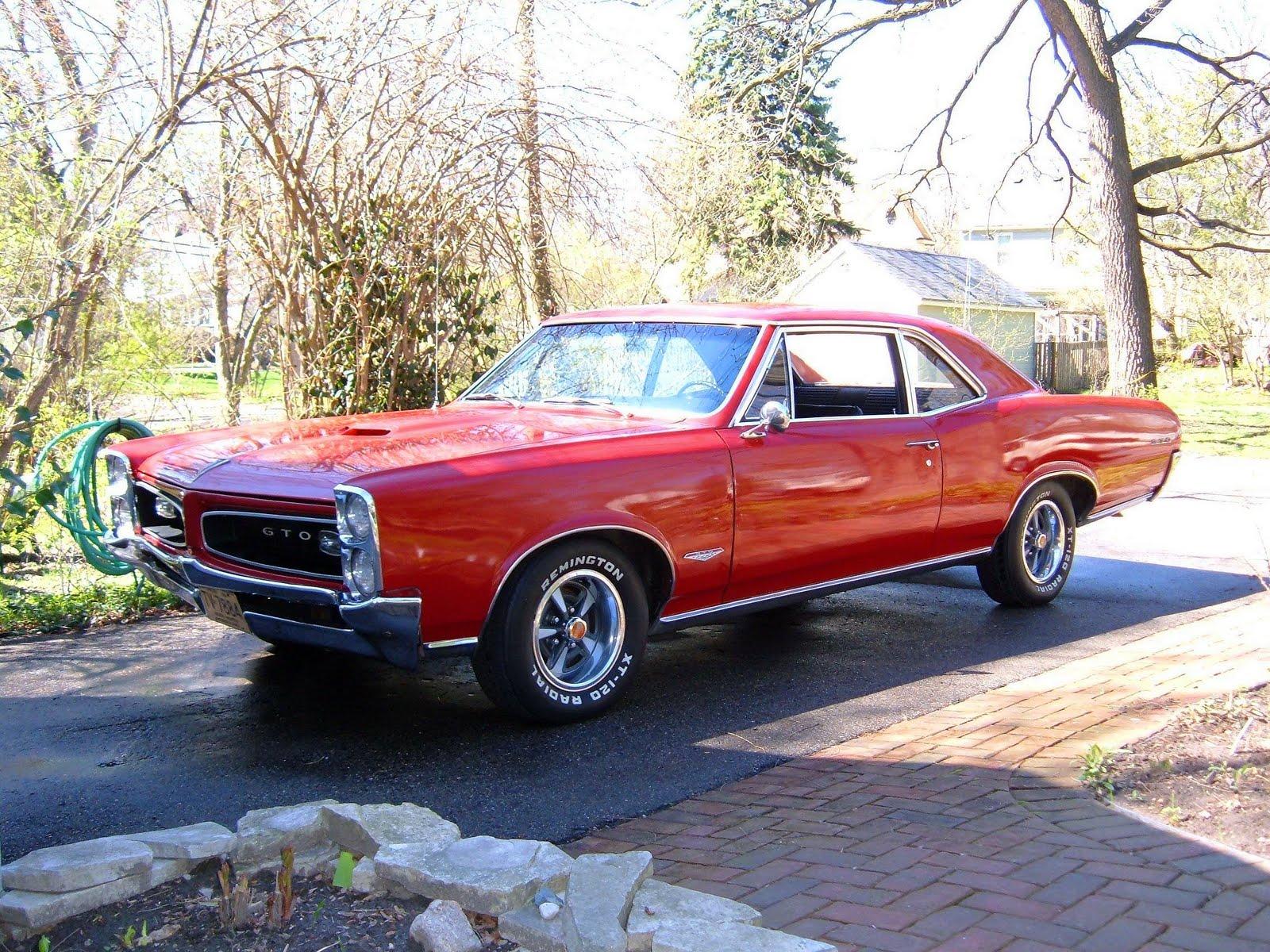 http://1.bp.blogspot.com/-6J8RlNEvAIE/TcWvDv4GHwI/AAAAAAAAFC4/nJg3OdlG7sE/s1600/Pontiac_GTO_1966.jpg