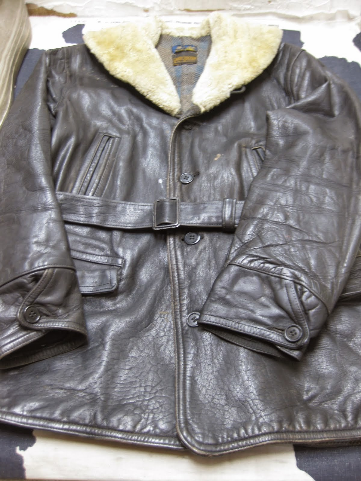~30's HORSE HIDE CAR COAT