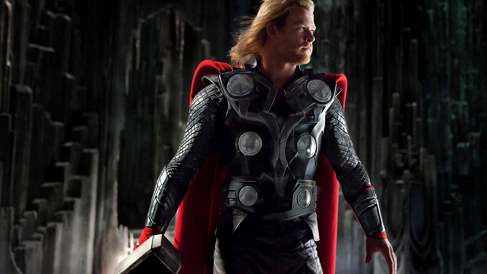 http://1.bp.blogspot.com/-6JJ8aZOmsYc/UBHm1_wEn3I/AAAAAAAACdQ/t6g2LmHdiEQ/s1600/chris-hemsworth-as-thor-in-thor-movie-1080x1920.jpg