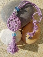 Collar con piedra a crochet
