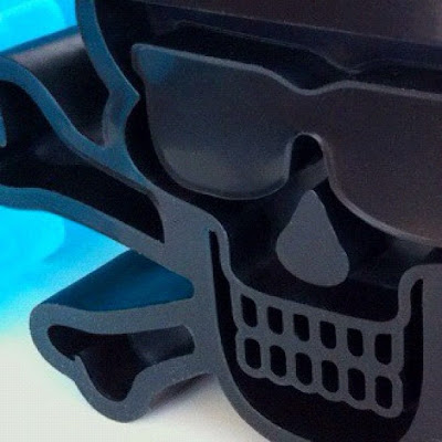 First Look: Pretty in Plastic x Tristan Eaton Black Heisenberg Skull & Crossbones Breaking Bad Vinyl Figure