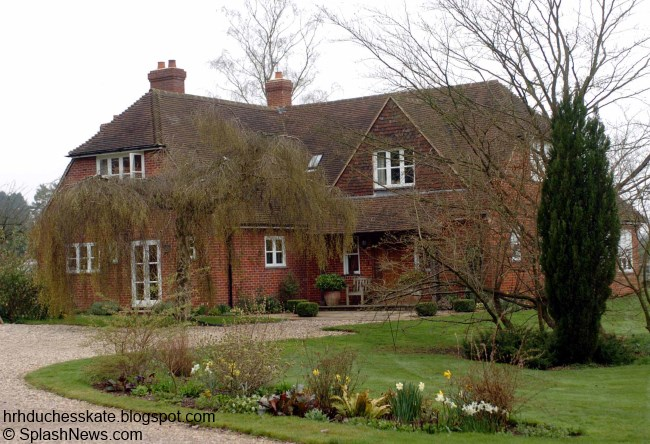 Duchess kate kate loves there 39 s no place like home for Middleton home