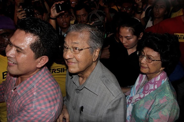(5 GAMBAR) Tun M Sanggup Bersama Di Perhimpunan #Bersih4