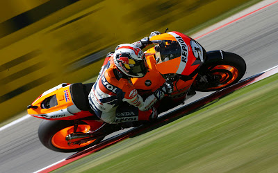 2011 Repsol Honda RC212V MotoGP Top Pictures