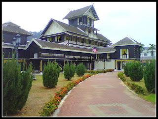 Istana Seri Menanti