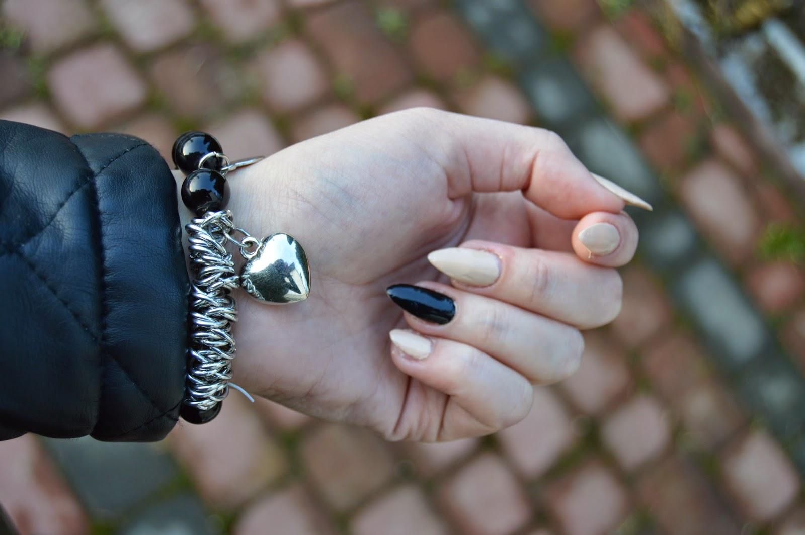 http://www.bornprettystore.com/mixed-metal-beads-pearl-bracelet-black-love-peach-heart-elastic-gold-bracelet-p-7237.html