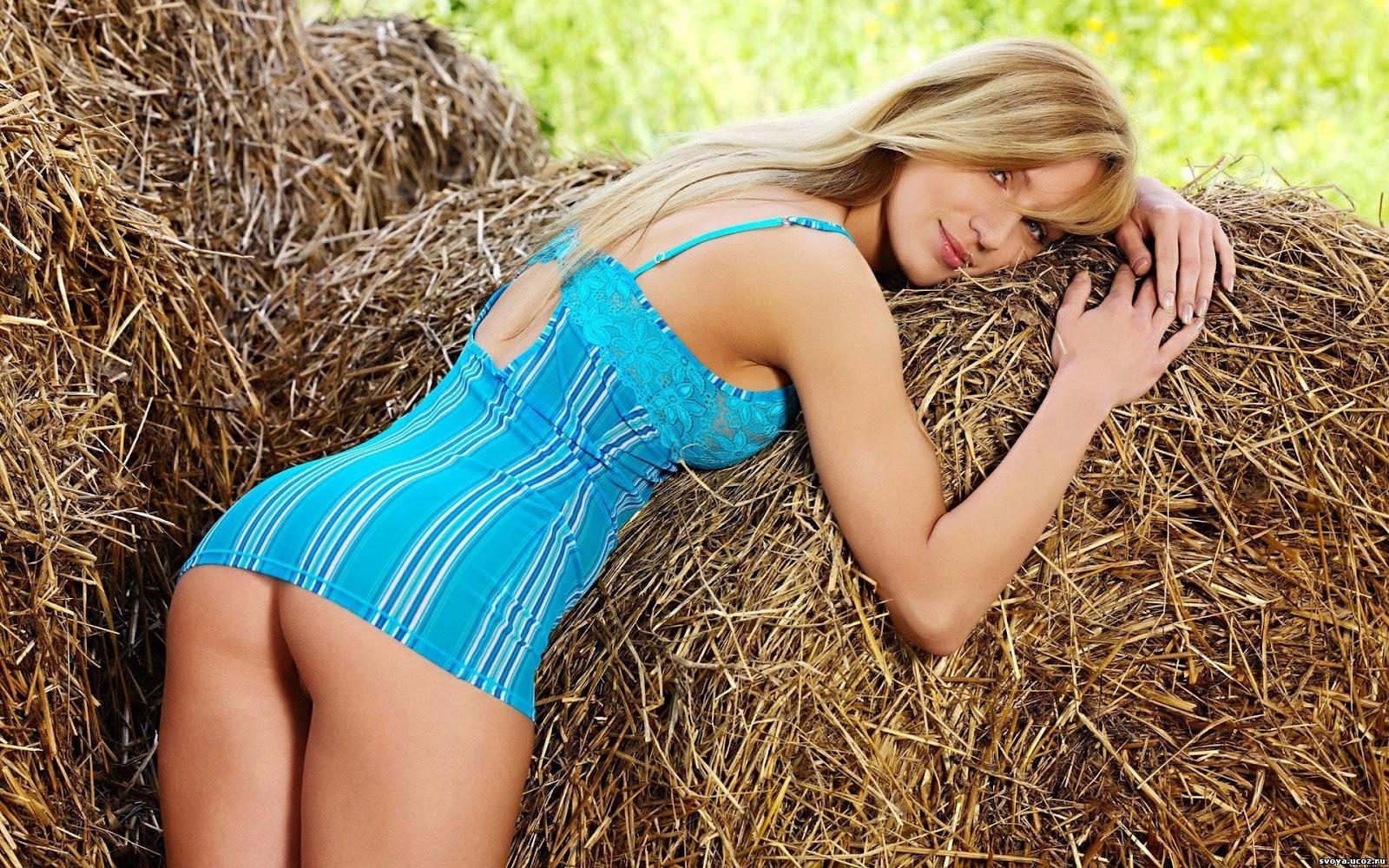 Секс в юбке на сеновале фото 6 фотография