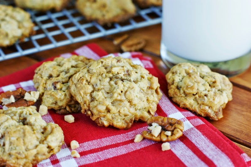 You guessed it ~ Toffee Oatmeal Cookies! In our house, when cookies ...