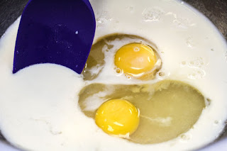 sugar-oil-and-eggs