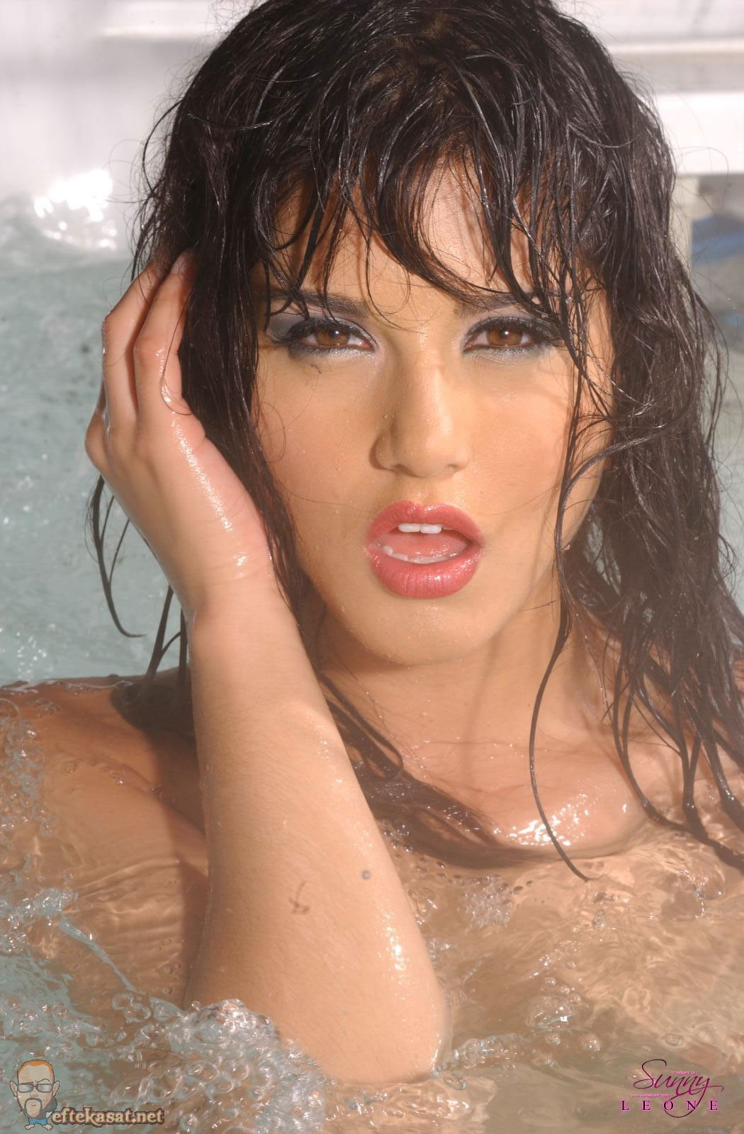 Sunny leone photo blog 2012 hot sunny leone beautiful for Hot images blog
