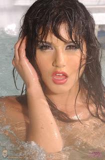 Hot Sunny Leone in Bathtub- Sunny Leone Unseen Photo