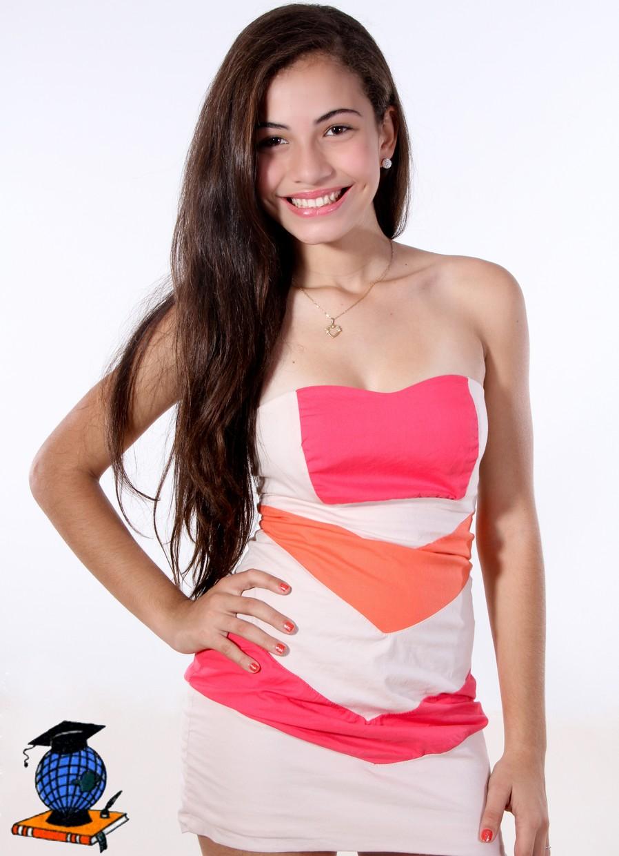 Sabrina Oliveira Nude Photos 27
