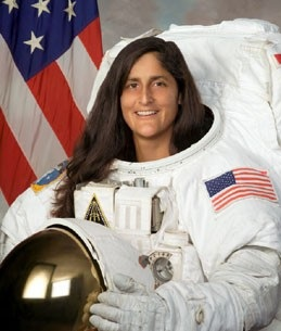 Sunita Williams Wikipedia Accepted islam latest news biography in Hindi images/pics youtube videos