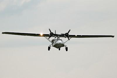 http://1.bp.blogspot.com/-6L0pFIJURgM/TgMmAddI5FI/AAAAAAAAAd4/FeGiHvMyeVg/s320/Catalina+Aircraft+-+Canadian+Vickers+PBY-5A+Canso+-+G-PBYA+-+5242+NET.jpg