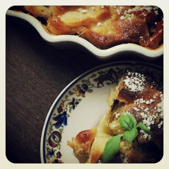 Ciasto rabarbarowo- jabłkowe z sosem karmelowym